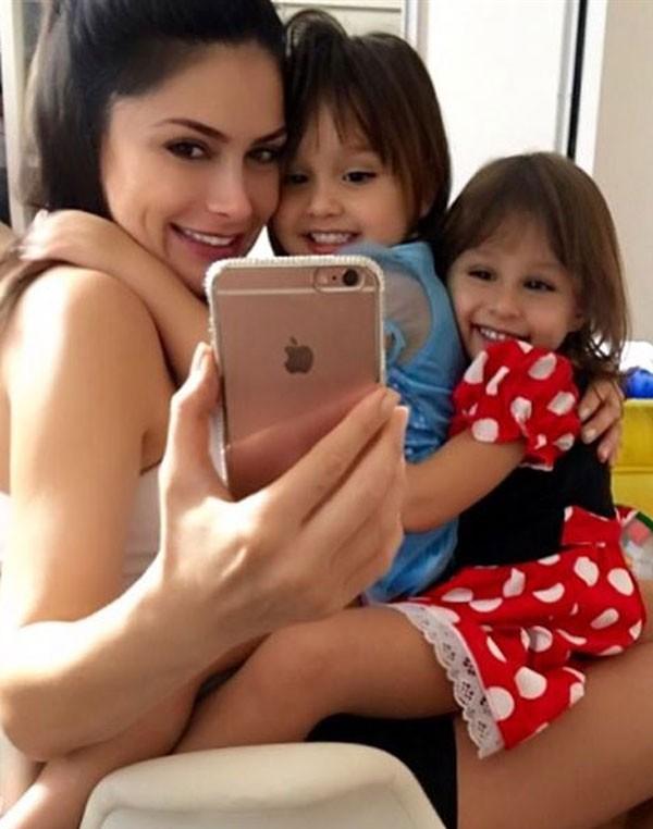 Natália Guimarães e as filhas Kiara e Maya (Foto: Reprodução/Instagram)