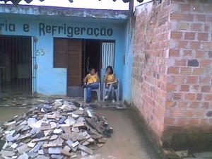 Agentes no antigo ponto de apoio, no Caic, em Maceió. (Foto: Arquivo pessoal/Arnaldo Luiz)