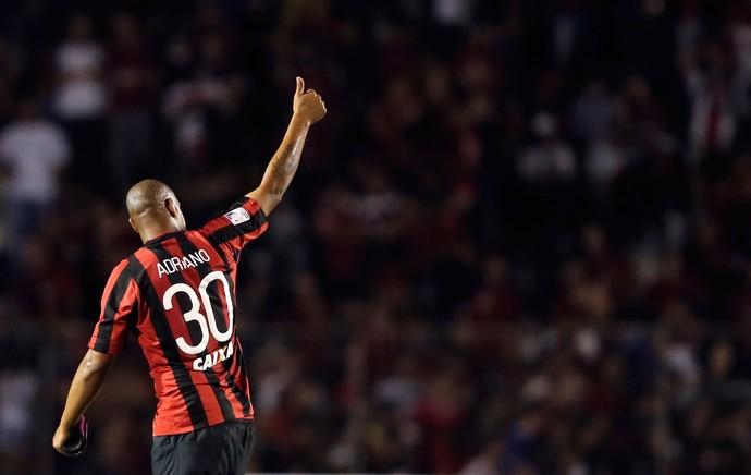 Adriano, Atlético-PR x The Strongest (Foto: Reuters)