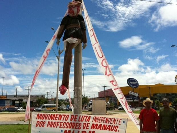 O ato ocorreu na Bola do Produtor, Zona Leste de Manaus (Foto: Adneison Severiano/G1 AM)