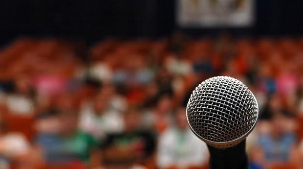 Voz ; falar em público ; voice coaching ; conferência ;  (Foto: Shutterstock)