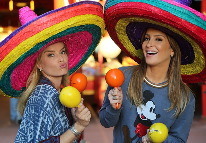 Angélica e Claudia Leitte se divertem na Disney (Foto: Thiago Fontolan / Gshow)