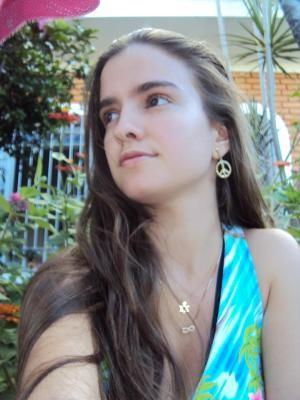 Melissa Velanga Moreira está desaparecida desde a amanhã de sábado (23) (Foto: Arquivo pessoal/Divulgação)