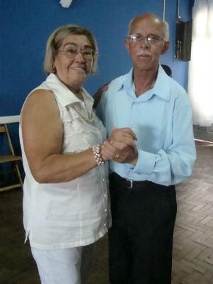 Lina e João na aula de dança (Foto: Tatiane Santos/G1)
