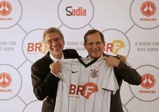 Nildemar Secches, da Perdigão, e Luiz Fernando Furlan, da Sadia, durante apresentação da BRF (Foto: Agência Estado)