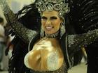Solange Gomes faz 'topless estilizado' e usa coleira com nome da filha