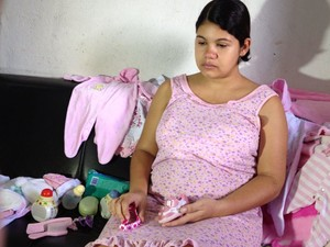 Larissa estava grávida de oito meses de uma menina. (Foto: Renata Torres/TV Asa Branca)