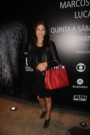 Luiza Valdetaro em peça na Zona Sul do Rio (Foto: Anderson Borde/ Ag. News)