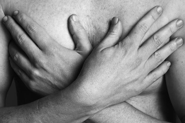 Saiba os mitos e verdades sobre o câncer de mama (Foto: Think Stock)