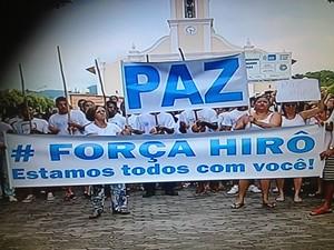 Passeata reuniu 500 pessoas em Porciúncula (Foto: Reprodução/Intetv Planície)