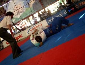 Ana Carolina, lutadora de Jiu-jítsu do Acre (Foto: Arquivo Pessoal)