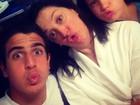 Claudia Raia, Enzo e Sophia fazem biquinho para foto