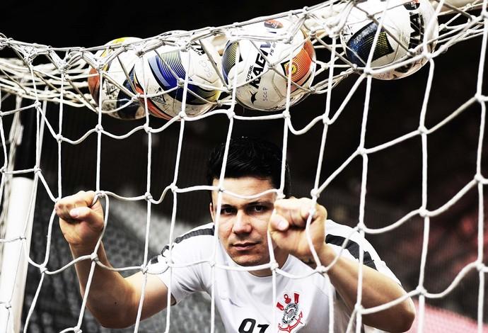 Guitta- goleiro de futsal do Corinthians (Foto: Marcos Ribolli)