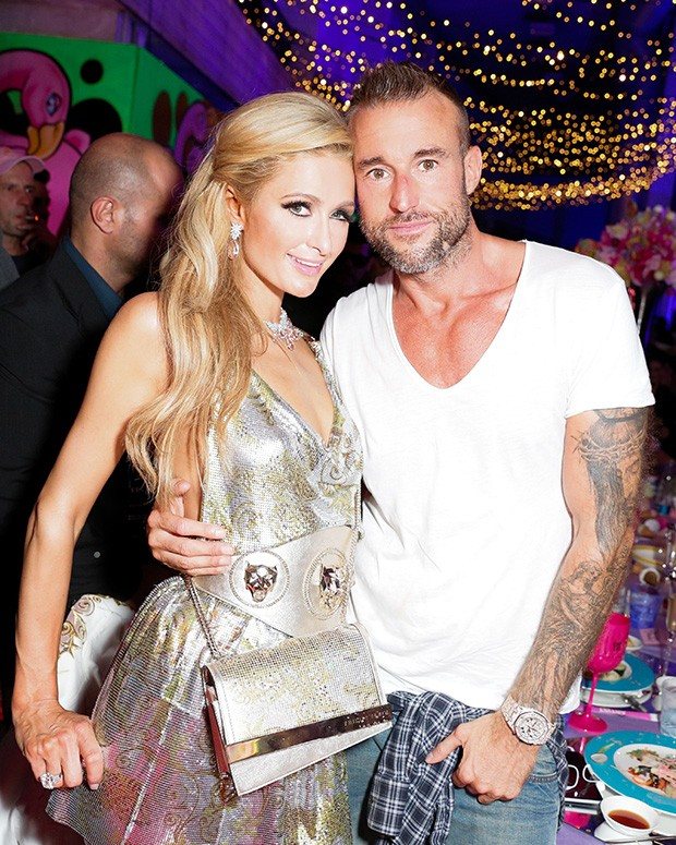 On the sexy populist side of fashion. Philipp Plein and Paris Hilton. (Foto: Philipp Plein)
