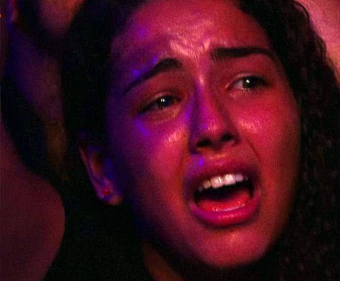 FÃ se emociona durante show do Slipknot (Foto: Gshow)