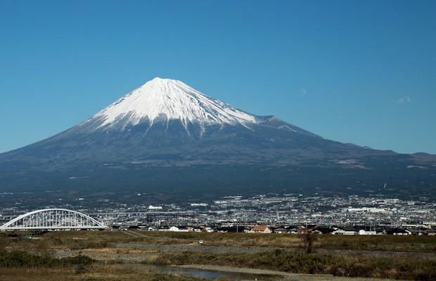 O Monte Fuji. Adormecido há mais de 300 anos, a montanha pode entrar em erupção até o final de 2015 (Foto: Lintao Zhang/Getty Images)
