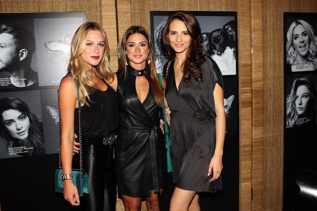 Fiorella Mattheis, Thaila Ayala e Fernanda Tavares em evento em São Paulo (Foto: Celso Tavares / EGO)