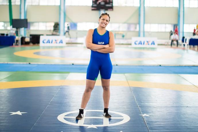 Aline Silva conquistou a medalha de prata na categoria até 75kg do estilo livre feminino (Foto: Divulgação/CBW)