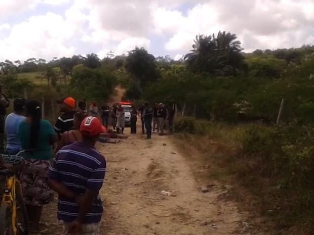 Triplo homicídio em Jaboatão dos Guararapes, na Região Metropolitana do Recife (Foto: Reprodução / Whatsapp)