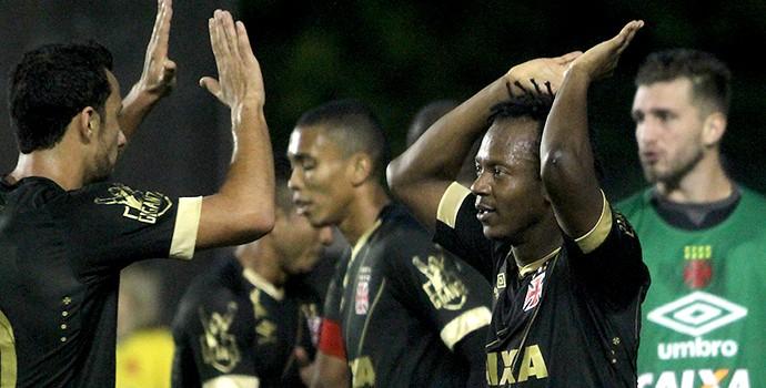 Comemoração Nenê e Andrezinho Vasco (Foto: Foto: Paulo Fernandes/Vasco.com.br)