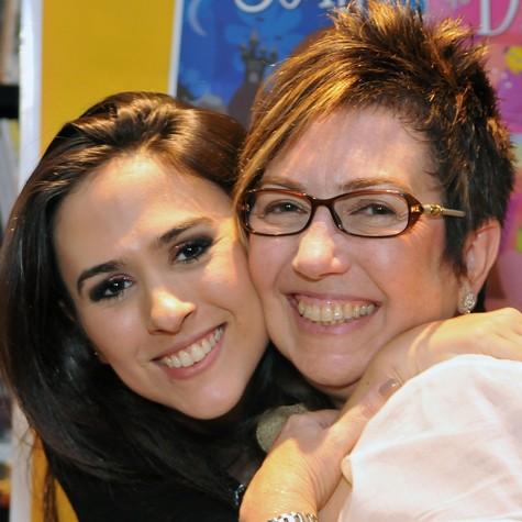 Tatá Werneck e a mãe, Claudia (Foto: Paulo Rodrigues)