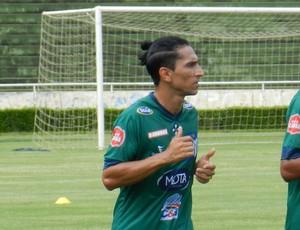 Lenílson (esq.) e Mikael Severo (dir.) fizeram treino a parte Uberlândia Esporte Clube (Foto: Lucas Papel)