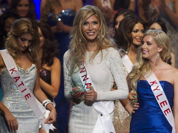 Jenna ganhou o prêmio de Miss Simpatia, oferecido pelo Miss Universo Canadá. Ela foi a primeira transexual a participar desse concurso (Foto: Reuters)