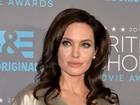 Angelina Jolie retira ovários e trompas
