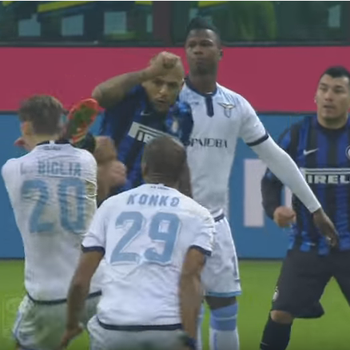 Felipe Melo Inter de MIlão x Biglia Lazio (Foto: Reprodução / Youtube)