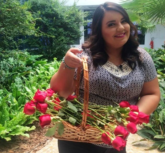 As gravações começaram com a cesta repleta de rosas! (Foto: Gabriela Cardoso / TV TEM)