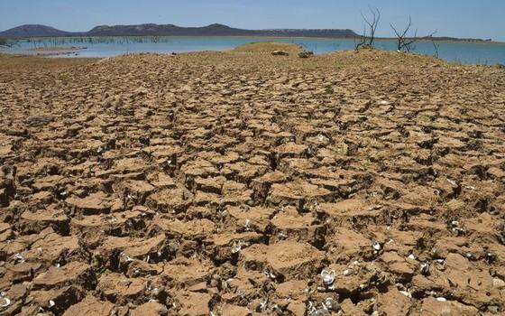 Seca no reservatório de Sobradinho, no rio São Francisco, na Bahia (Foto: Marcello Casal Jr/Agência Brasil)