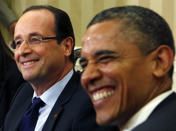 Os presidentes da França, François Hollande, e dos EUA, Barack Obama, durante encontro no Salão Oval da Casa Branca nesta sexta-feira (18) (Foto: AFP)