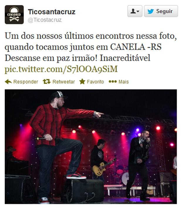 Vocalista do Detonautas postou foto com Chorão de show no RS (Foto: Reprodução)