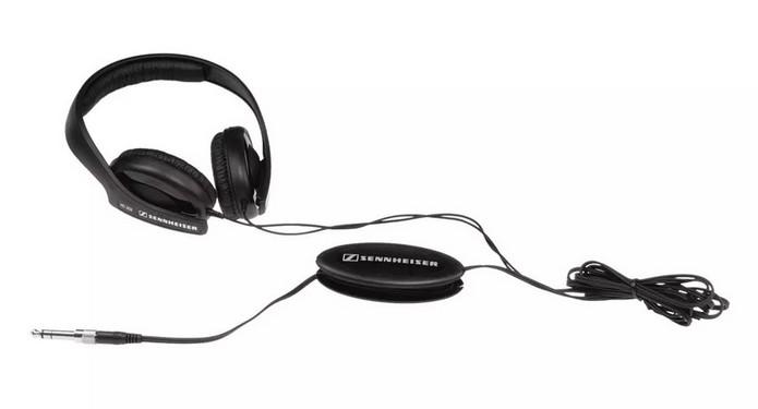 Com adaptador na caixa, Sennheiser HD 202 é compatível com mais aparelhos (Foto: Divulgação/Sennheiser)