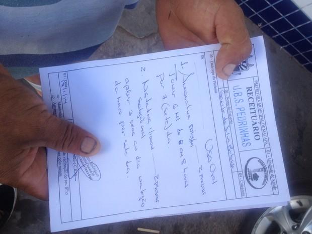 Em três farmácias da capital, a receita expedida por um médico cubano foi recusa (Foto: Dyepeson Martins/G1)