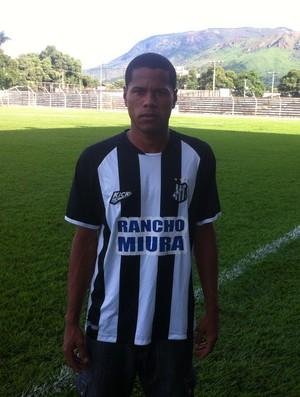 O lateral-esquerdo Denílson está de volta ao Mamudão. (Foto: Diego Souza/GE)