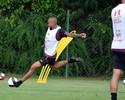 Wesley dribla erro nos EUA e vibra por ter Ceni como técnico no São Paulo