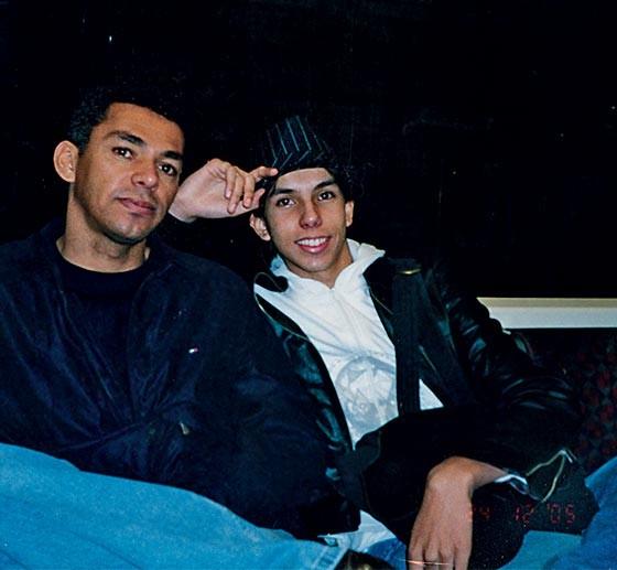 5. Humberto e Carlos Eduardo, o filho mais novo, em viagem à Europa em 2005 (Foto: Arquivo pessoal)