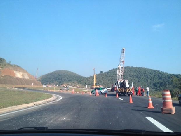 Obras podiam ser vistos em vários pontos do trecho concluído (Foto: Guilherme Brito/G1)