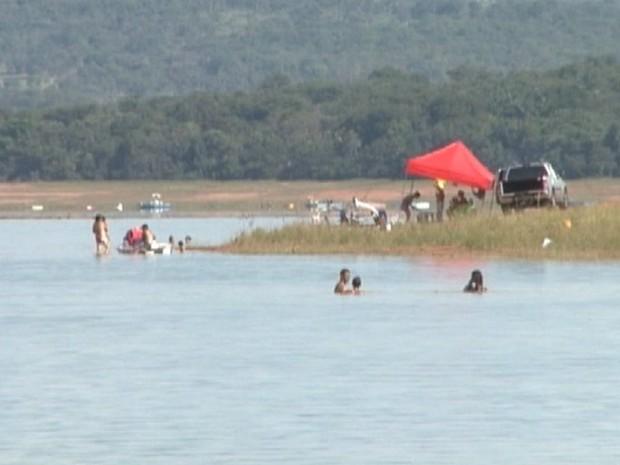Lago das Roseiras em Divinópolis (Foto: TV Integração/Reprodução)