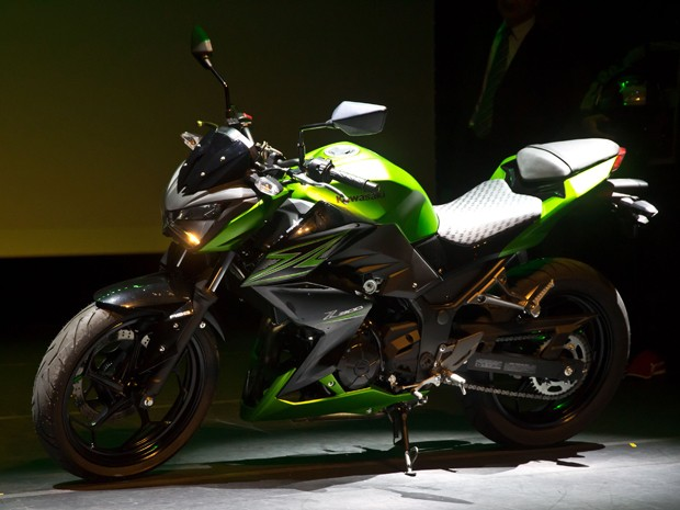 Kawasaki Z300 (Foto: Osvaldo Furiatto / Divulgação)