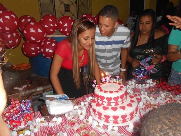 Renatinha Maravilha e Kleiton (Foto: Reprodução/Facebook)