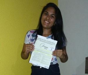Estudante Camilla Lima afirma que gostou do tema intolerância religiosa (Foto: Charles Lisboa)