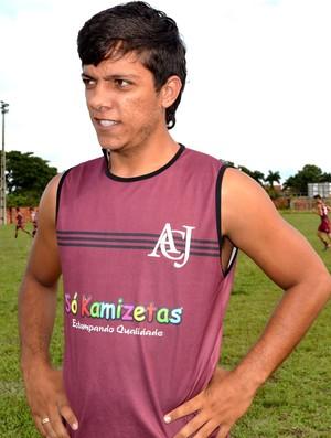 Mendes Júnior, zagueiro do Juventus-AC (Foto: Nathacha Albuquerque)