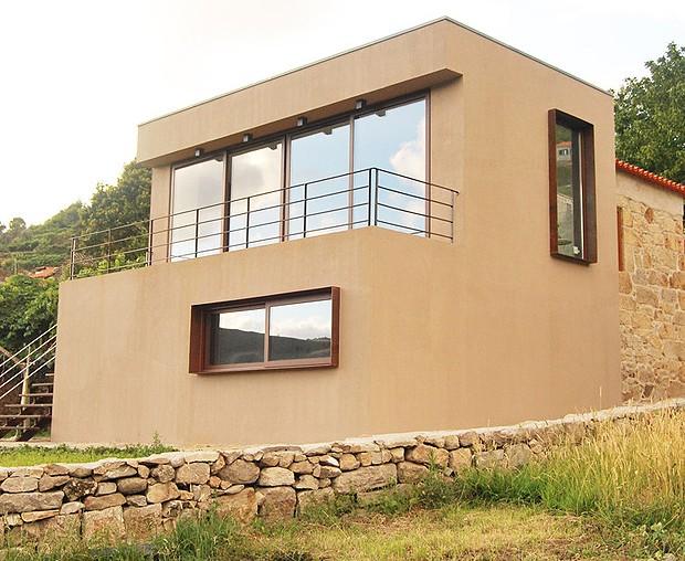 Reforma de casas antigas preserva ess ncia portuguesa for Modernizar fachada casa