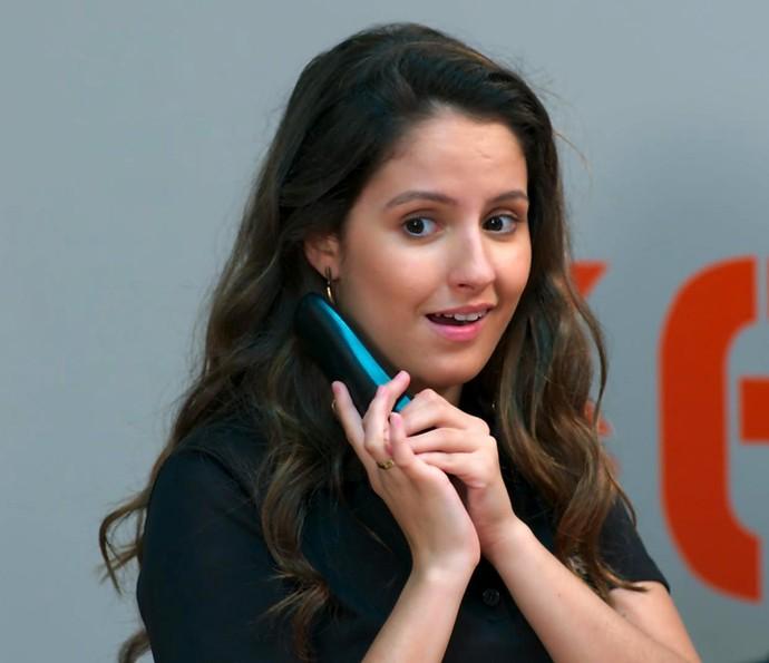 Nanda tenta acalmar os ânimos das duas (Foto: TV Globo)