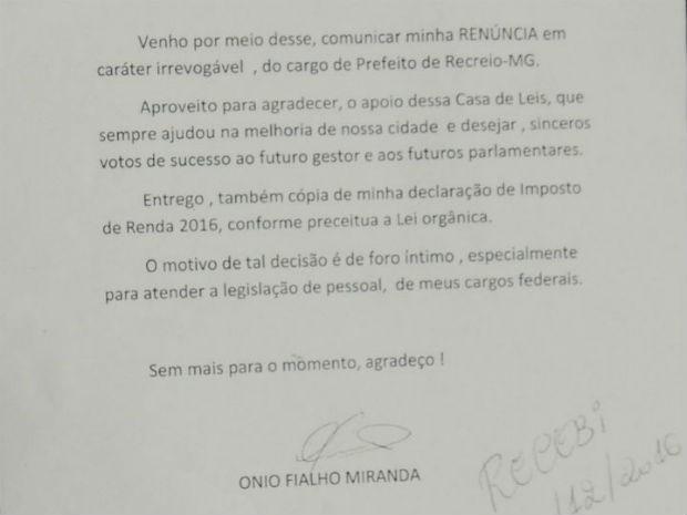 Carta entregue ao presidente da Câmara de Recreio (Foto: Leonardo Ribeiro/Arquivo Pessoal)