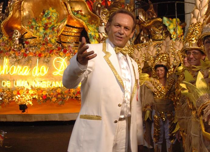 Em Senhora do Destino, José Wilker era Giovanni Improtta, um ex-bicheiro apaixonado por Maria do Carmo (Susana Vieira). (Foto: João Miguel Júnior / TV Globo)