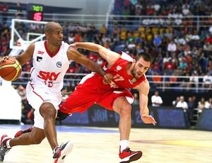 Basquete Pinheiros e Olympiakos (Foto: Samuel Velez / Fiba)