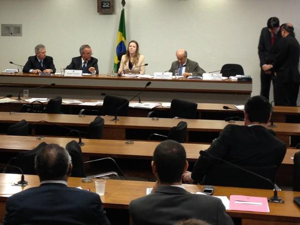 Sessão da CPI da Petrobras esvaziada durante depoimento de Nestor Cerveró (Foto: Priscilla Mendes/G1)